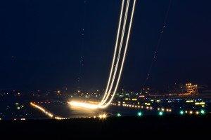 Langzeitaufnahme beim Start einer A320.