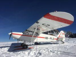 Gletscherflugzeug PA-18 HB-PLG